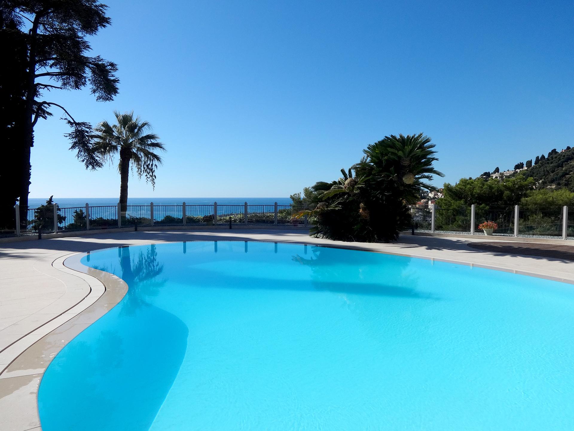 ... en de azuurblauwe Middellandse Zee